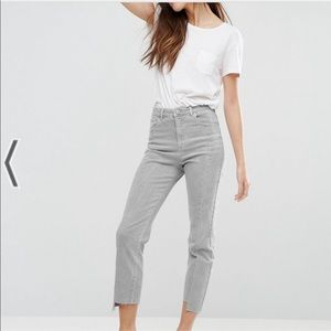 ASOS pencil straight leg denim jeans in husk sz 25
